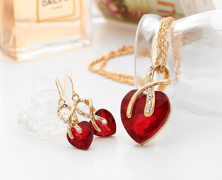 Rachelle & Co Crystal Necklace and Earring Set (D4)